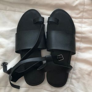 Size 9 black sandals